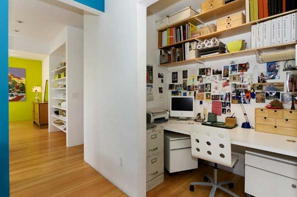 home-office-no-corredor-de-casa-011