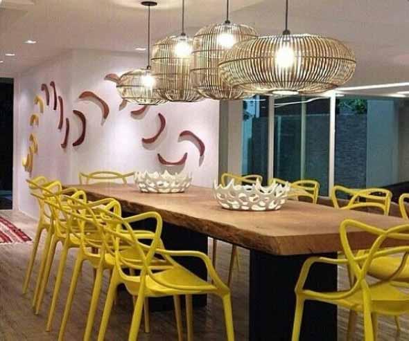 mesa-rustica-com-cadeiras-modernas-012
