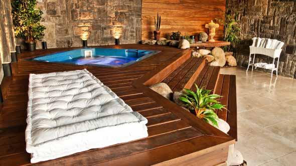 piscina-com-deck-de-madeira-005