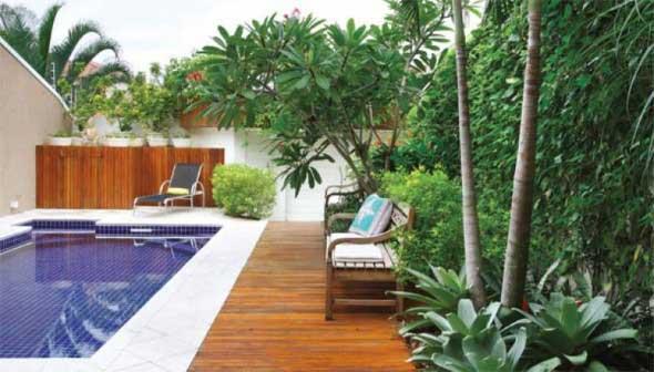 piscina-com-deck-de-madeira-007