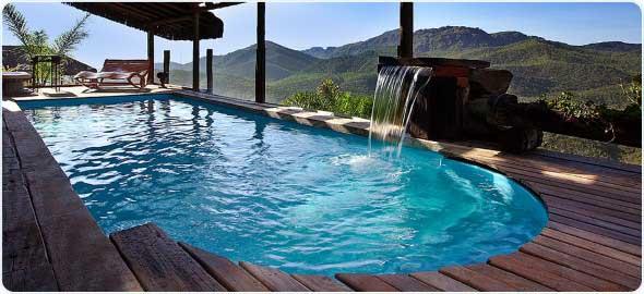 piscina-com-deck-de-madeira-010