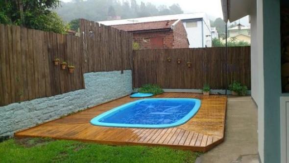 piscina-com-deck-de-madeira-015