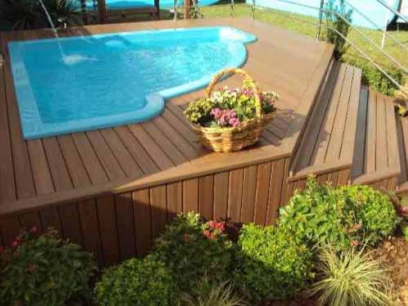 piscina-com-deck-de-madeira-017