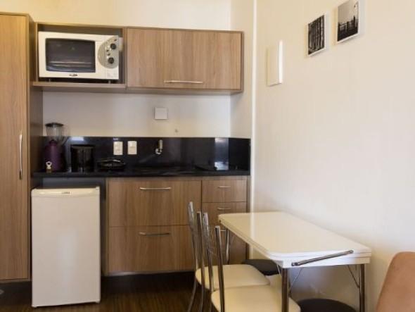 cozinhas-com-mesas-008