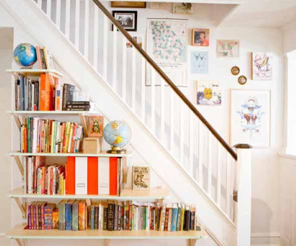 faca-do-espaco-da-escada-uma-biblioteca-011