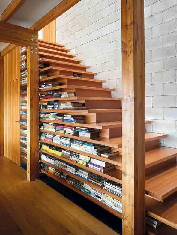 faca-do-espaco-da-escada-uma-biblioteca-012