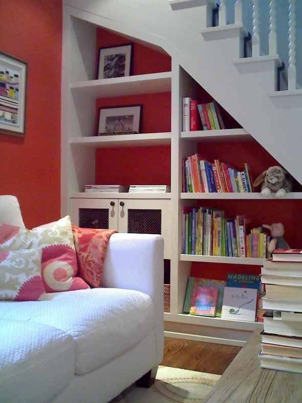 faca-do-espaco-da-escada-uma-biblioteca-013