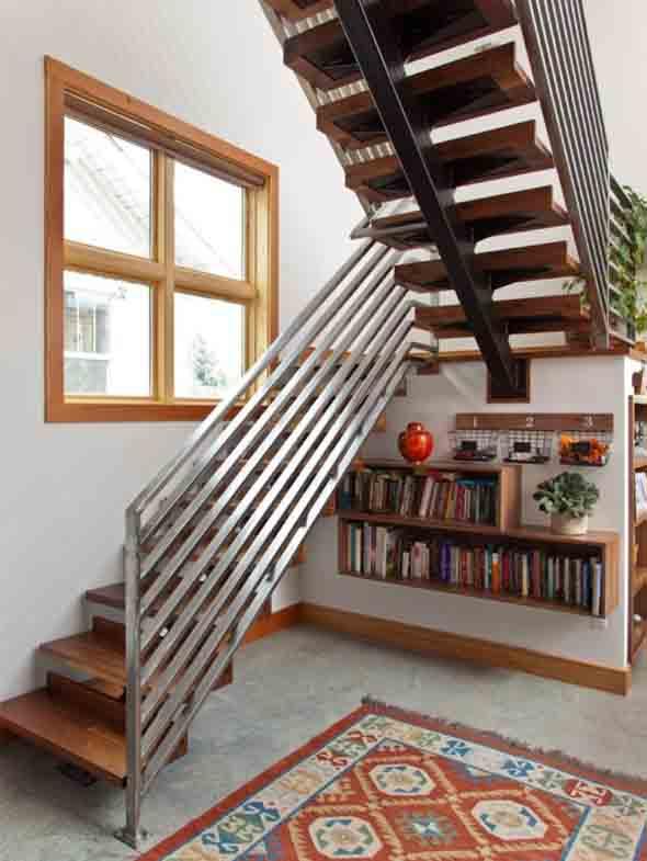 faca-do-espaco-da-escada-uma-biblioteca-015