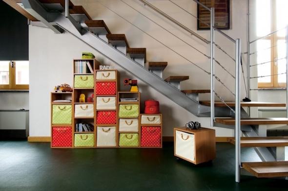 biblioteca-embaixo-da-escada