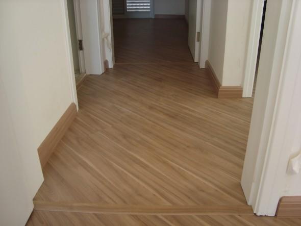 Piso de madeira laminado 017