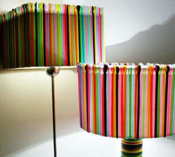 Abajur colorido na decoração 003