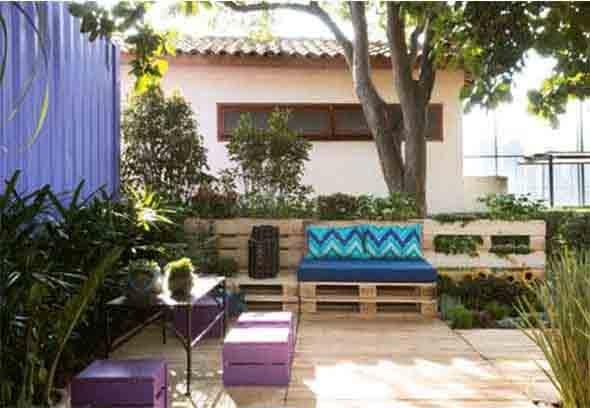 Ideias criativas para usar paletes no jardim de casa 005