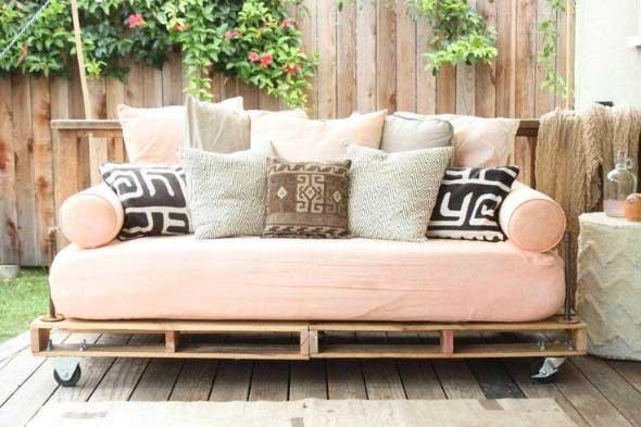 Como montar um sofá de paletes 007