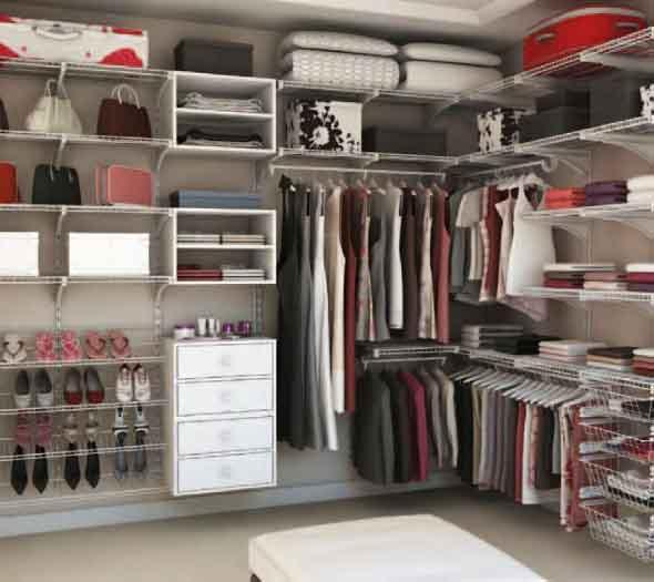 Guarda roupa aberto 004