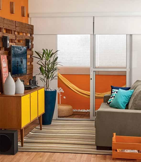 Ideias simples para decorar salas pequenas 020