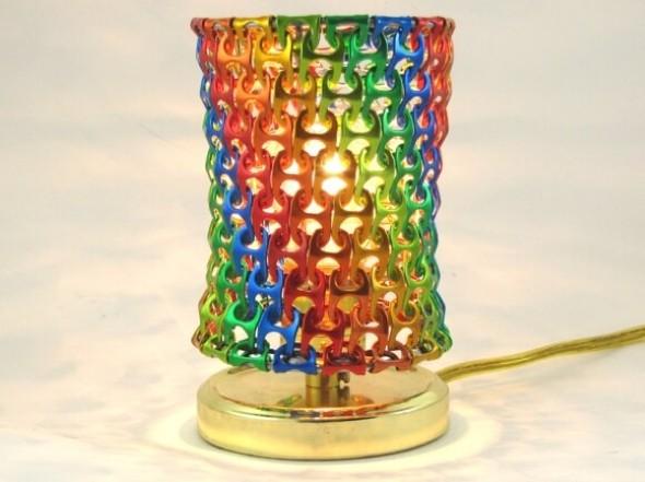 Luminária de material reciclado 006
