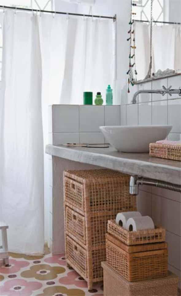 Soluções práticas para banheiros pequenos 014