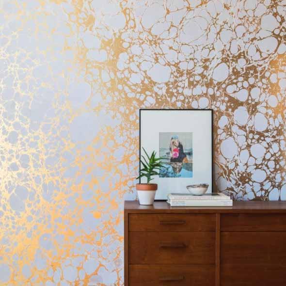 Papel de parede metalizado na decoração 006