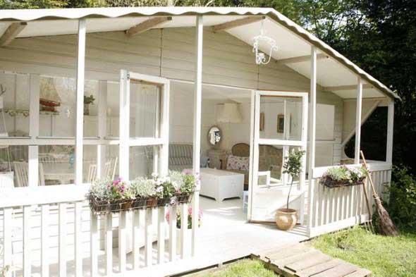 Casas com cercas de madeira 001