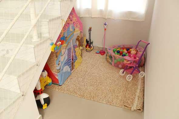Espaço divertido para crianças em casa 024