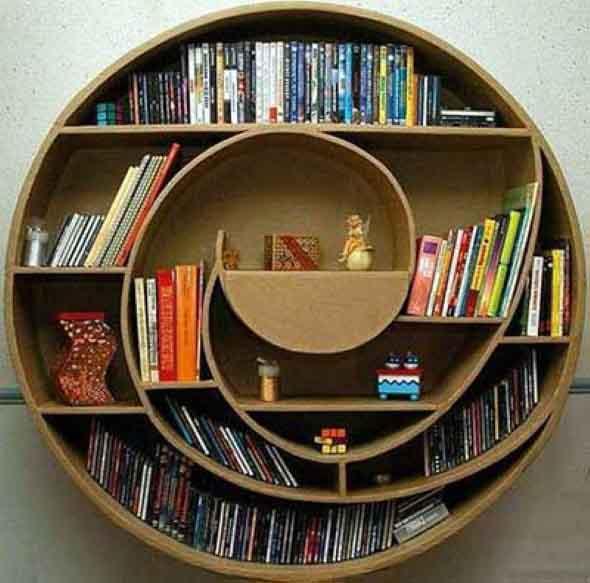 Prateleiras e estantes com formato de letras 015