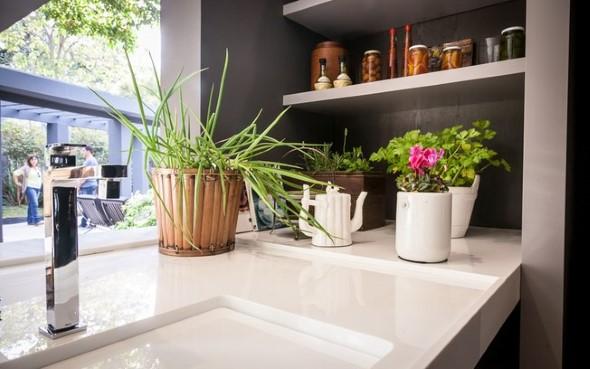 Vasinhos de flores e plantas para enfeitar a casa 011