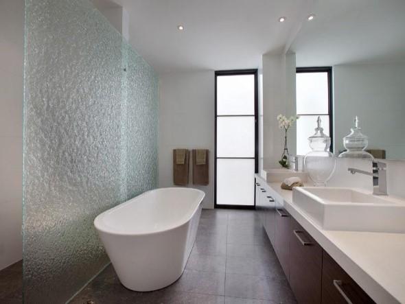 Banheiro de casal charmoso na decoração 008