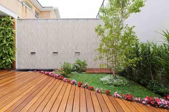 Jardins residenciais pequenos e charmosos 011