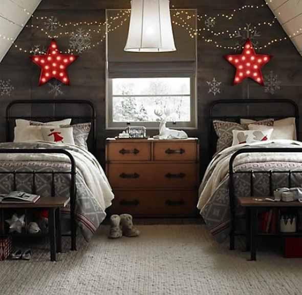 Luzes de Natal na decoração o ano inteiro 019