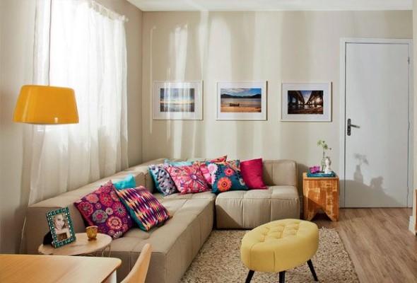 Almofadas coloridas na decoração 004