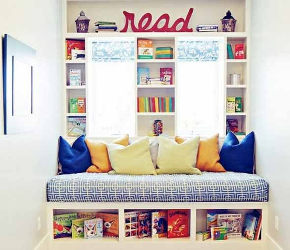 Almofadas coloridas na decoração 010