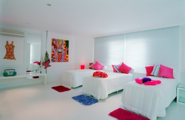 Almofadas coloridas na decoração 011