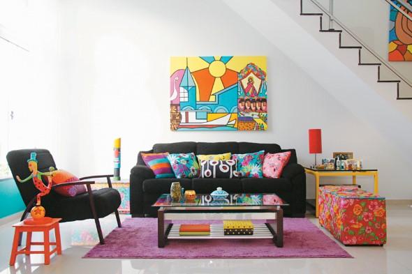 Almofadas coloridas na decoração 021