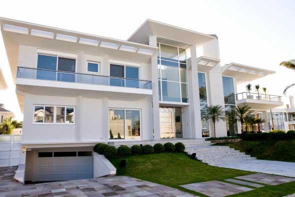 Fachadas de casa com vidros 007