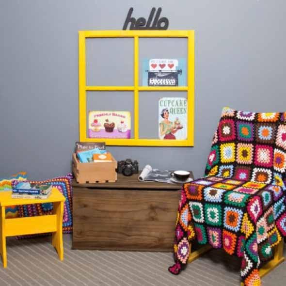 Janelas coloridas dentro de casa na decoração 023