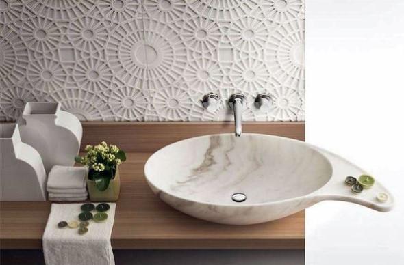 Pias de banheiro com estilo futurista 007