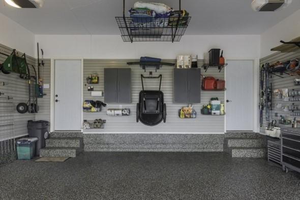 Prateleiras na garagem 001