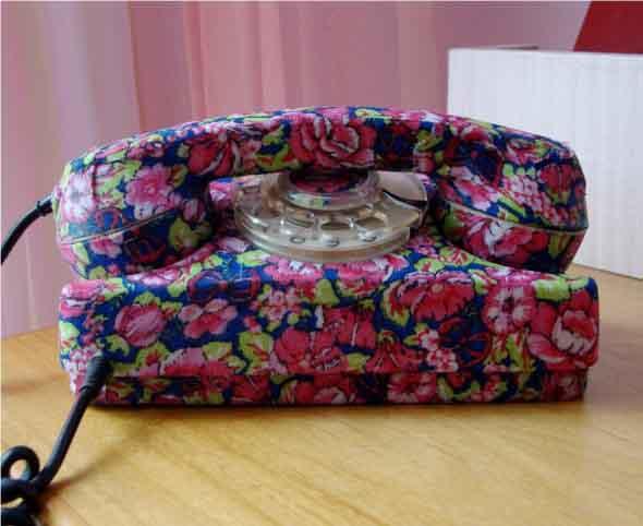 Decoração charmosa com telefones antigos 023