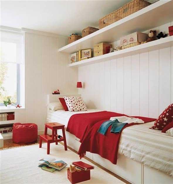 Prateleiras encima da cama 010