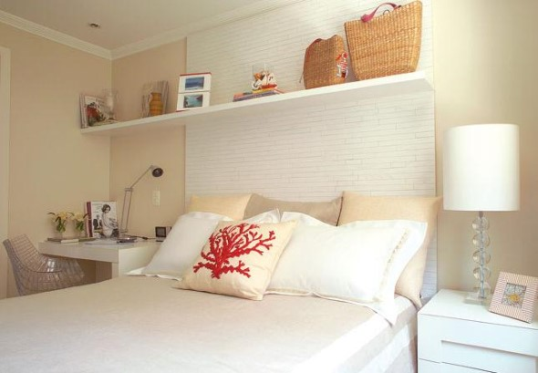 Prateleiras encima da cama 014