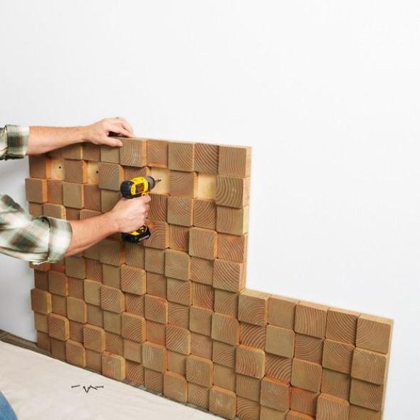 Como revestir paredes com blocos de madeira 002