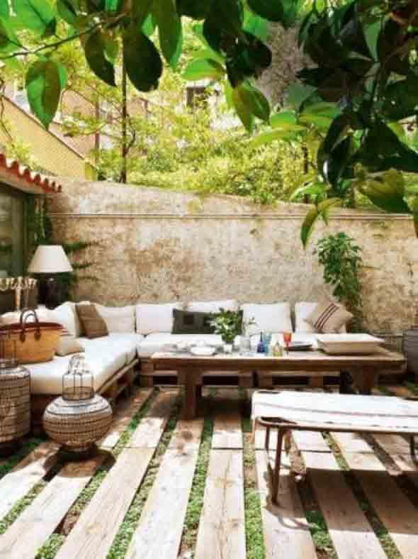 Paletes na varanda e no jardim 006