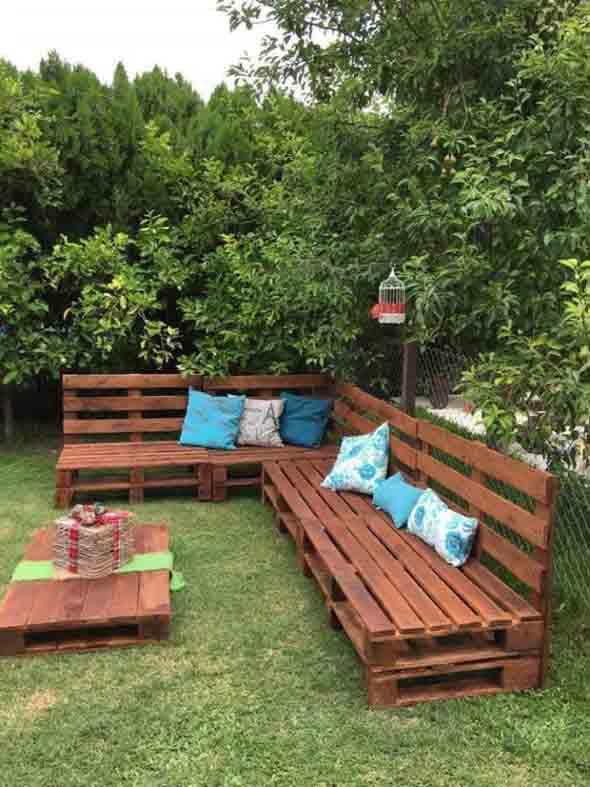Paletes na varanda e no jardim 018