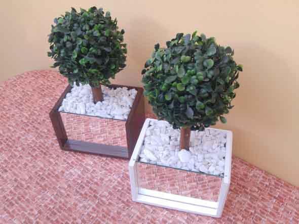 Vasos de plantas quadrados na decoração 009