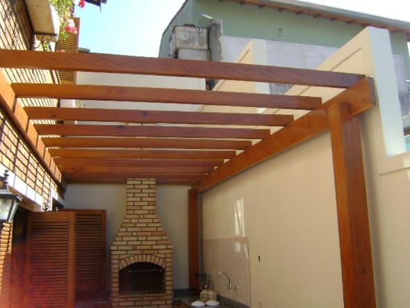 Pergolados no interior e exterior de casa 018