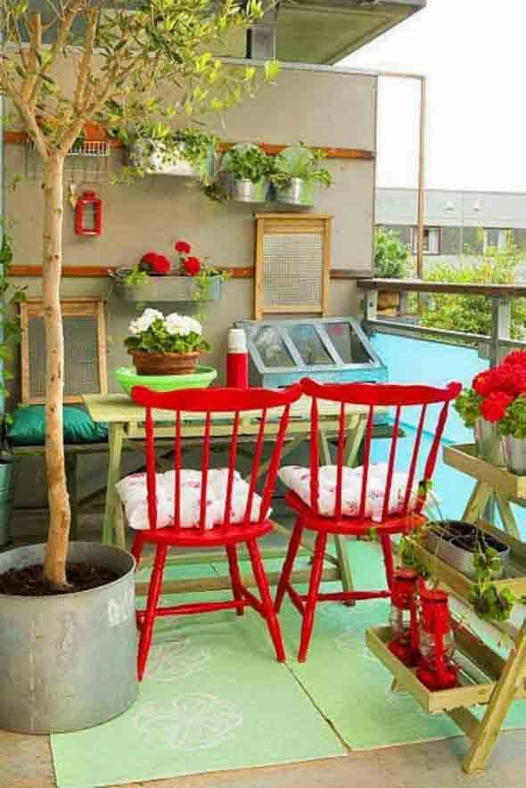 Colorido na varanda e jardim 011