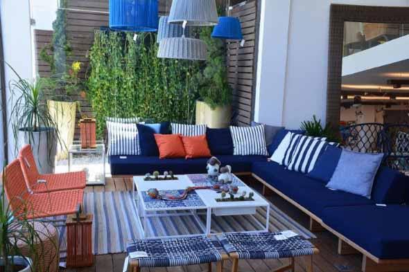 Colorido na varanda e jardim 018
