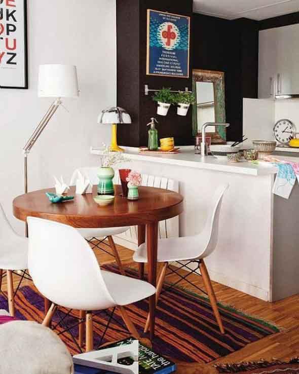 Mesas redondas na sala de jantar 017