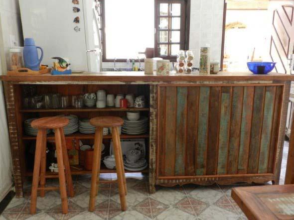 Balcão rústico na cozinha 012