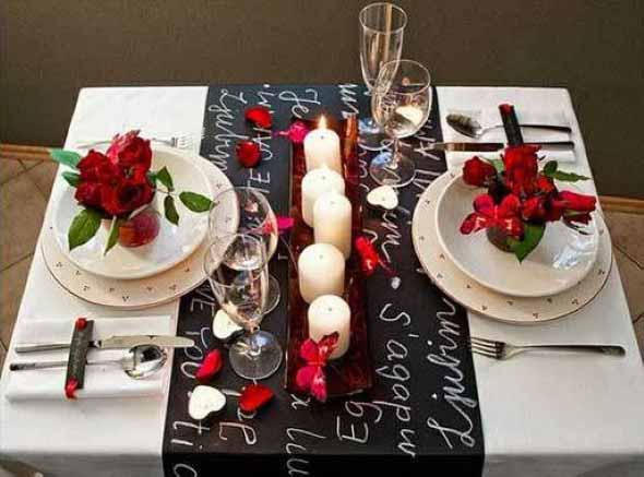 Mesa de jantar decorada Dia dos Namorados 001
